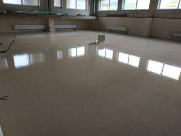 Anhydritové a cementové lité podlahy