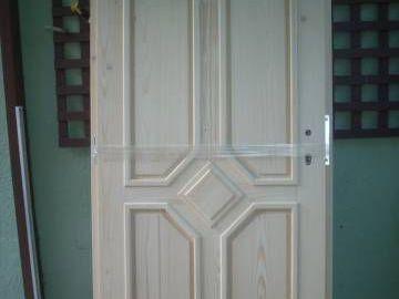 Nové venkovní vchodové dveře z masívu
